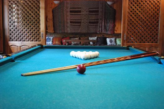 billiards2.jpg